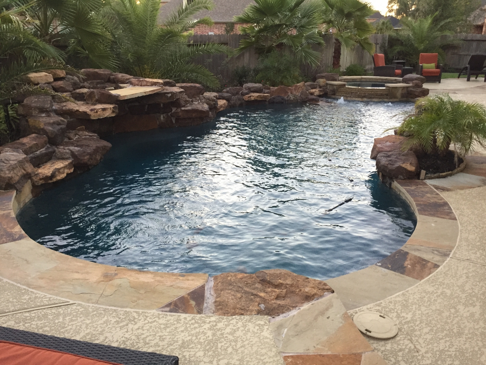 Freeform pool with Flagstone