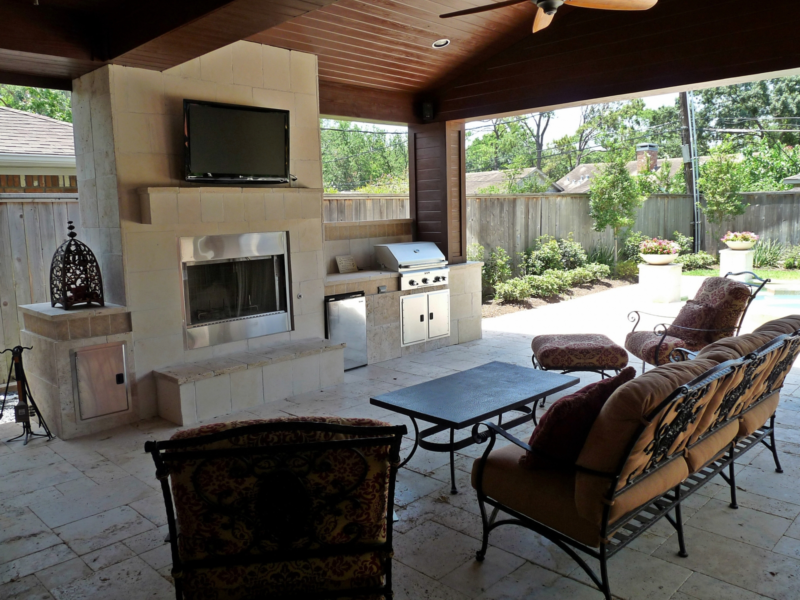 Outdoor Kitchen & Outdoor Fireplace