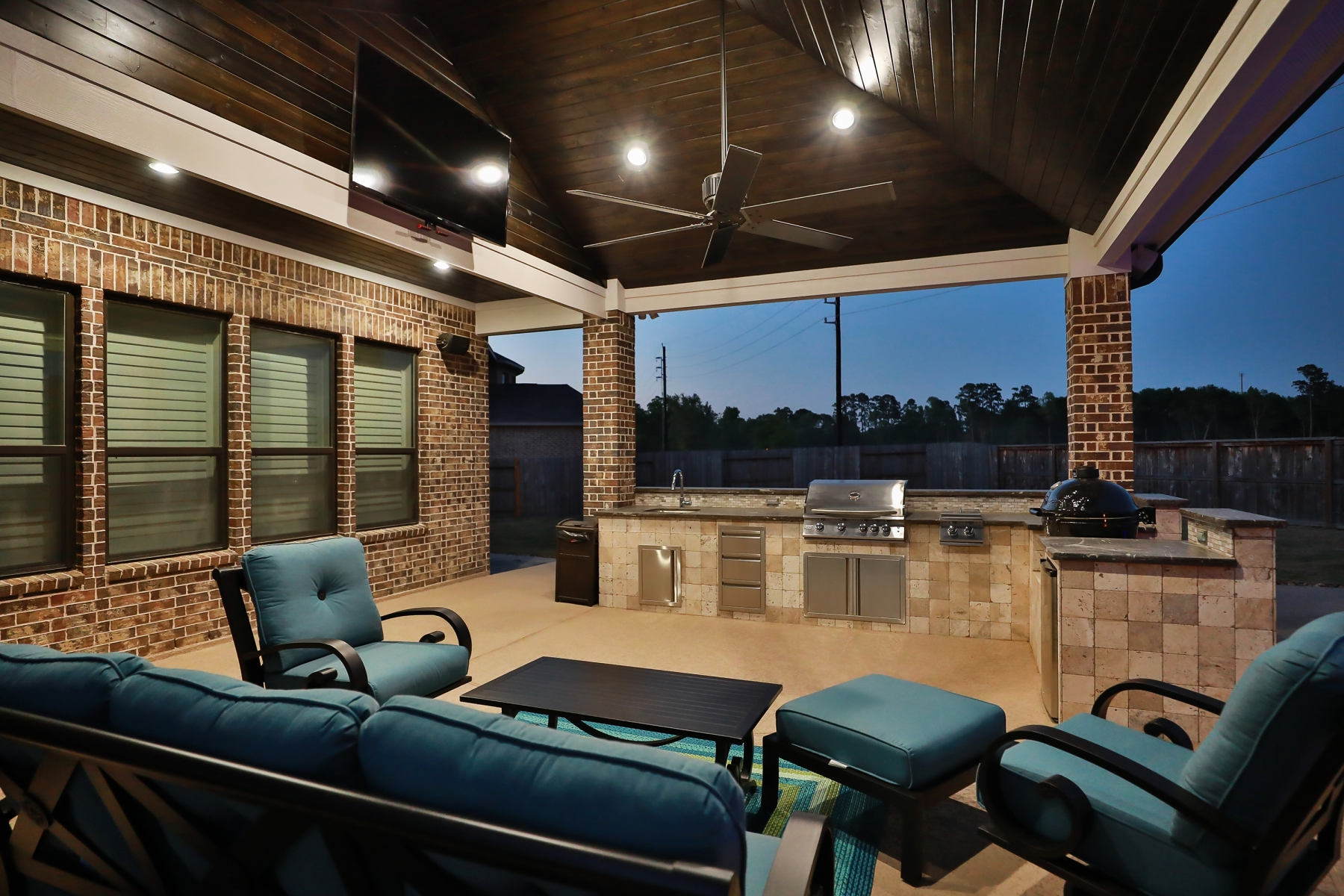 Outdoor Kitchen and Living Area
