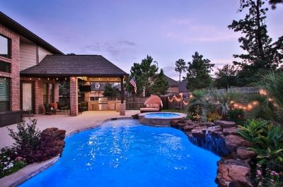 Freeform Swimming Pool Builder Houston and Chattanooga